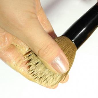 Limpando pinceis de maquiagem