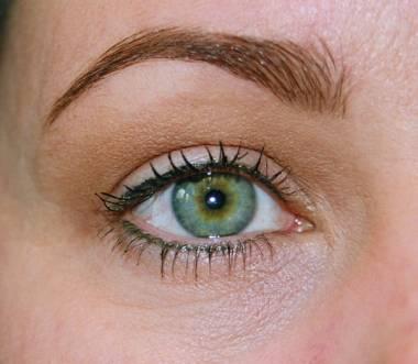 Fotos de olhos com maquiagem definitiva