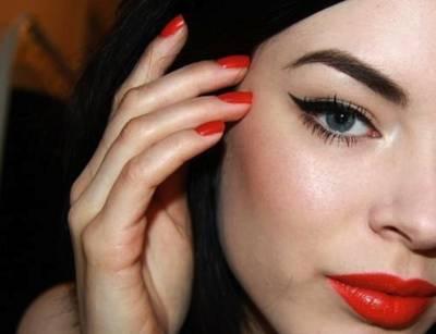 Ideias de maquiagens com batom laranja