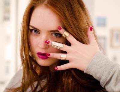 Dicas de maquiagem para quem tem cabelos ruivos