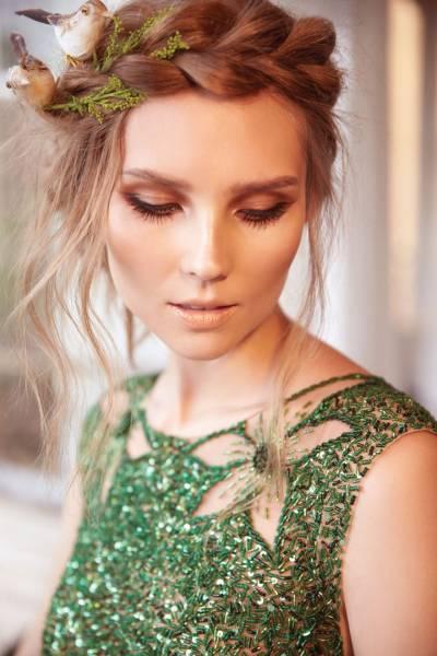 maquiagem marrom combina com vestido verde