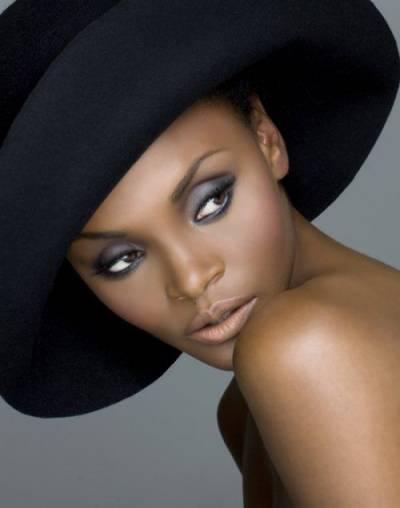 Ideias de maquiagem para fotos de negras