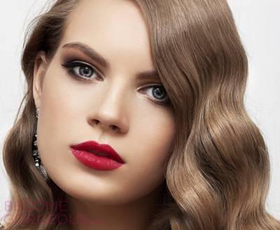 f362b621042911 Maquiagem com batom vermelho – Como usar e combinar?