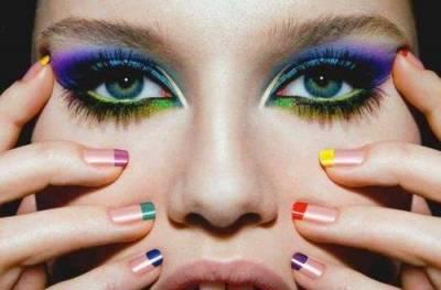 Maquiagem com as cores do Brasil