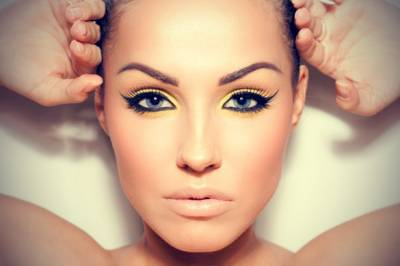 Dicas de maquiagem para olhos pequenos parecerem maiores