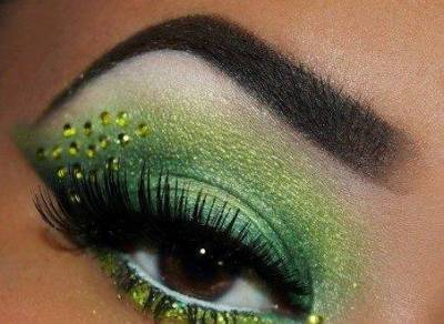 Maquiagem com brilho para jogo do Brasil