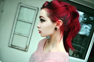 Maquiagem perfeita para quem tem cabelo vermelho