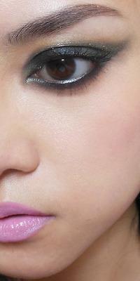 Maquiagem preta com batom rosa passo a passo