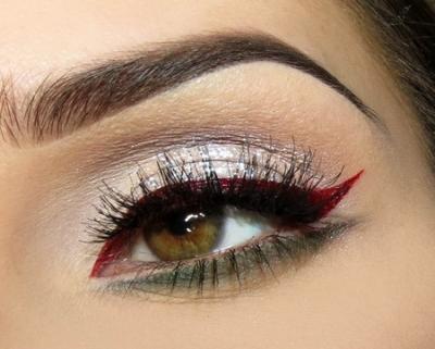 Maquiagem com delineador colorido passo a passo