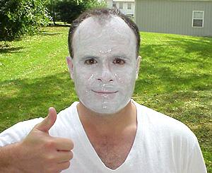 posso usar maquiagem por cima do protetor solar na praia