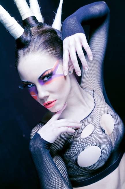 maquiagem para bailarina moderna colorida