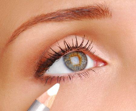 dicas de maquiagem para aumentar os olhos