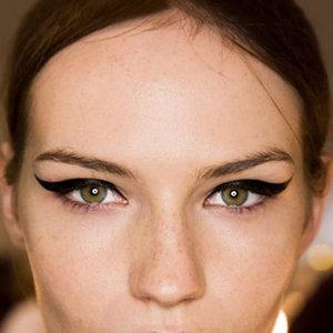Fotos de maquiagem com delineador passo a passo
