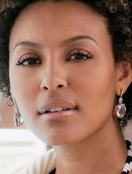 maquiagem para pele negra em colação de grau