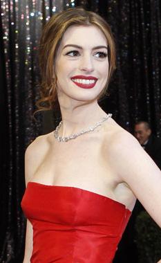 maquiagem para Pele branca com vestido vermelho