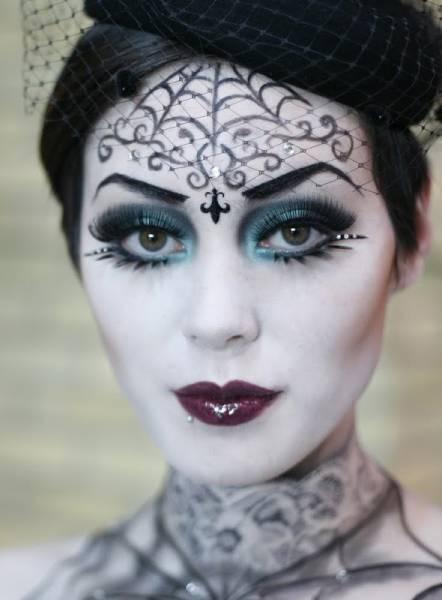 foto de make bruxinha feminina diferente