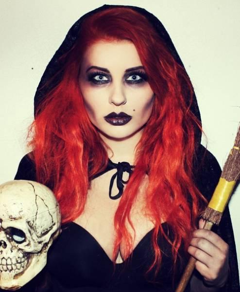 foto estilo bruxa assustadora