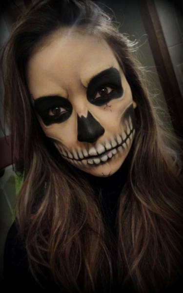 maquiagem feminina de caveira assustadora