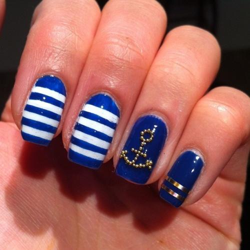 unha decorada azul marinho