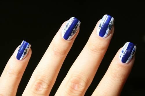 unha decorada azul royal grafista