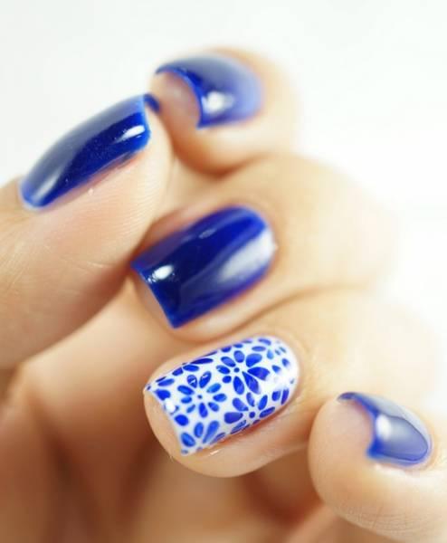 unha decorada azul royal ideias