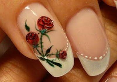 unha decorada com flores rosas