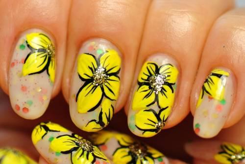 unhas decoradas com flores desenhos