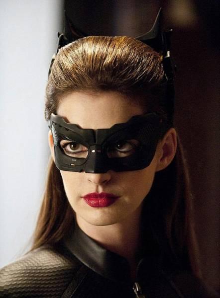 mulher gato Anne Hathaway