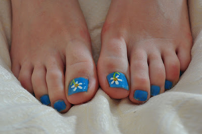 Desenhos mais usados em unhas dos pés Azul
